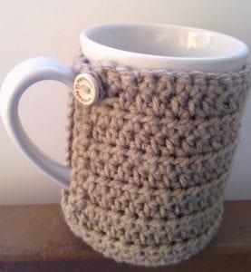 Cup Cozy w/Built in Coaster - Free Crochet Pattern - www.craftaboo.com
