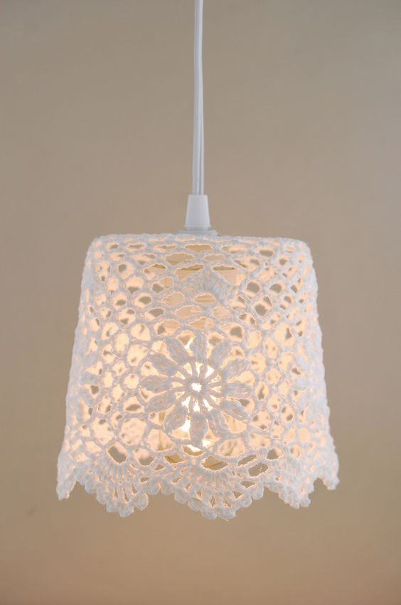 5 Absolutely Clever Ways to Modernize Crochet Doilies - www.craftaboo.com