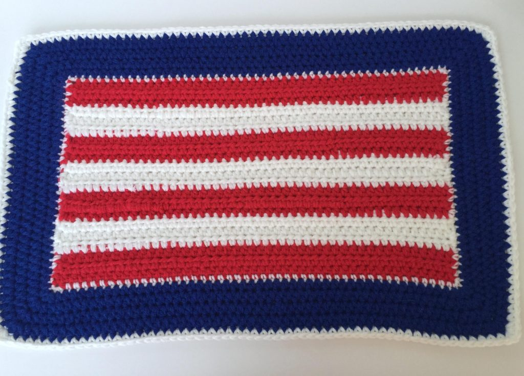 How To Crochet Beautiful Patriotic Place-Mats, Free Pattern - www.craftaboo.com