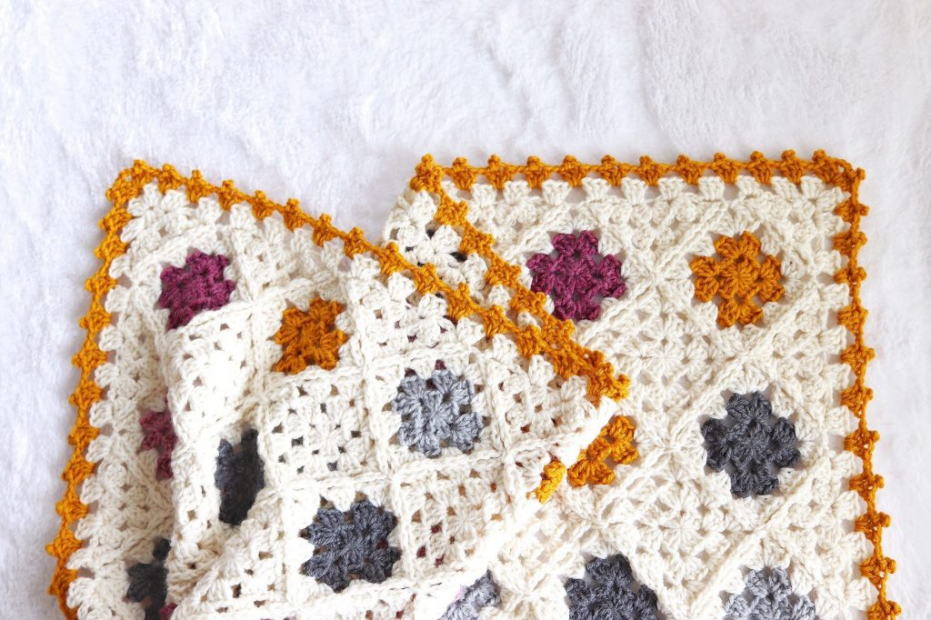 Granny square blanket - www/craftaboo.com