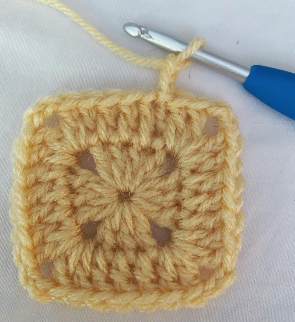The Most Delightful Granny Square Pattern You'll Ever Need - www.craftaboo.com